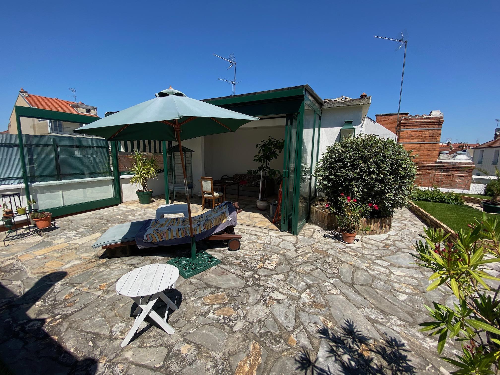 Villa art déco avec rooftop et garage